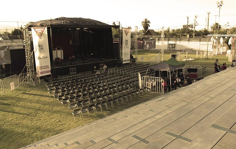 4-arriendos_teatro_itinerante_el_ariete-quilicura-abierto arriendo-sepia